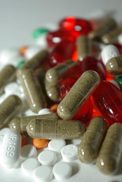 pharmaceuticals-385950_640